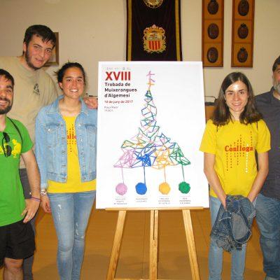 Membres de la Muixeranga de Castelló en la presentació